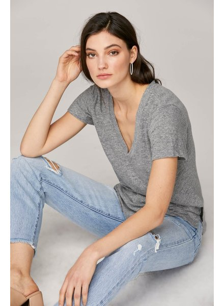 LNA Essential Reese V Neck Grey