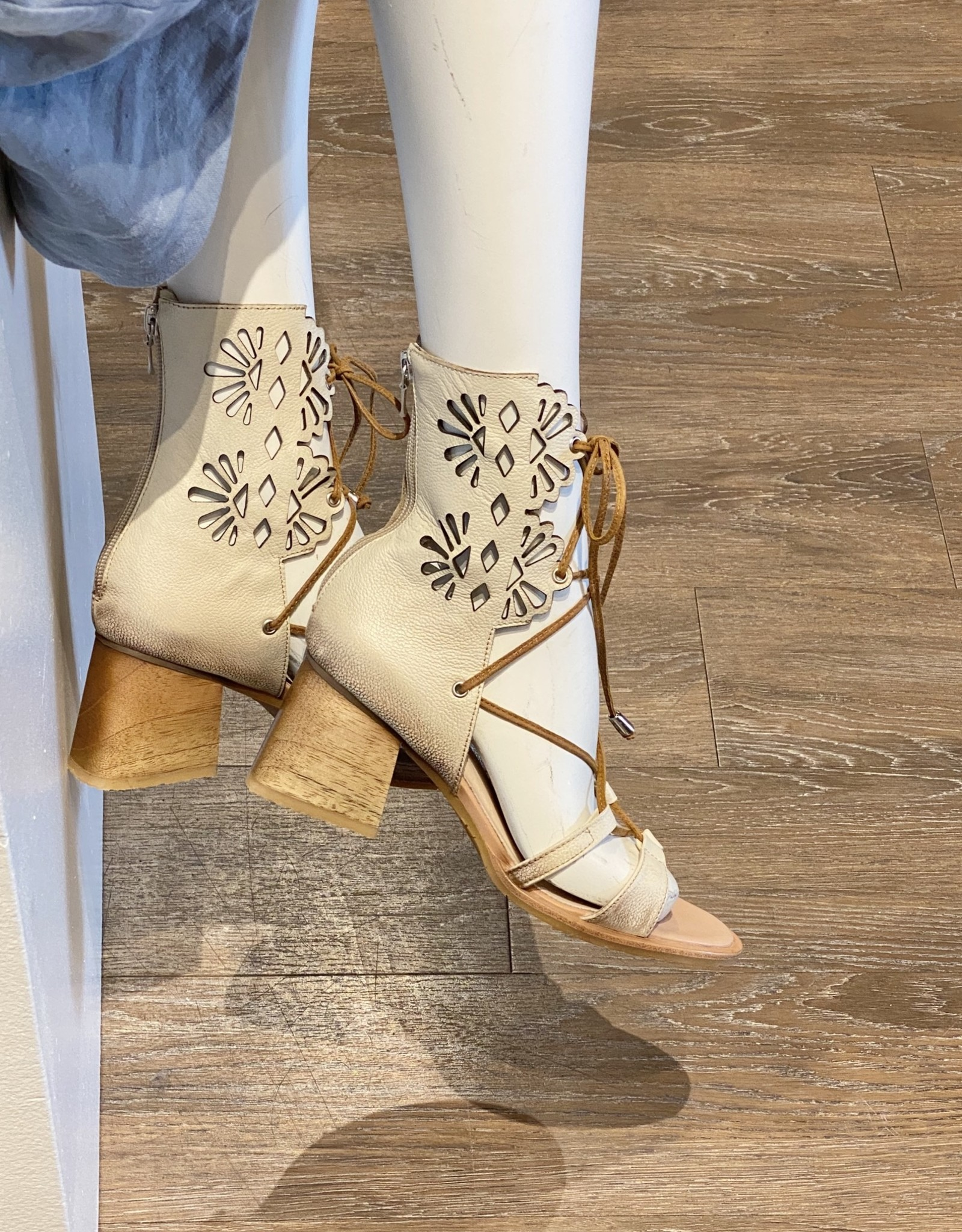 Todouncuento GLADIADO  Shoe