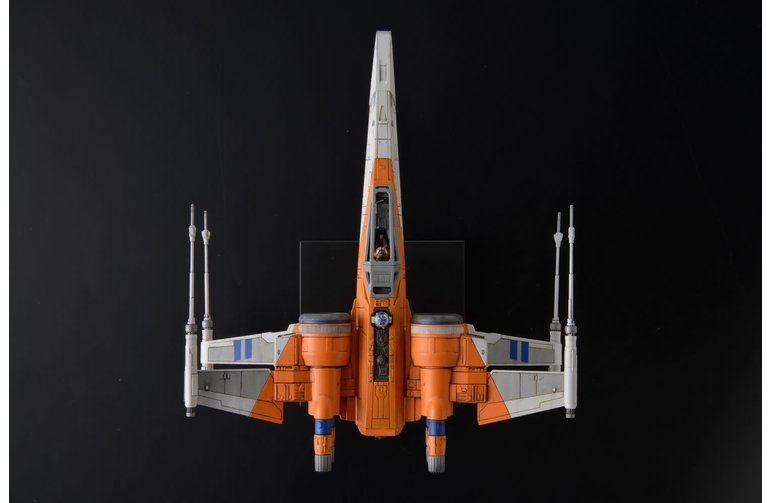 Bandai Poe's X-Wing Fighter: The Rise of Skywalker 1/72 Model Kit