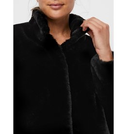 Vero Moda Thea Short Faux Fur Coat
