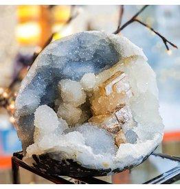 Ravinder Singh Calcite Chalcedony Vug 145x120x110mm 1.59kg India