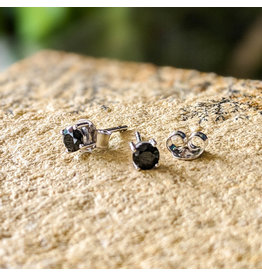 Black Spinel Stud Earrings 4mm