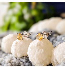 Citrine Stud Earrings 4mm