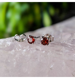 Garnet Stud Earrings 4mm