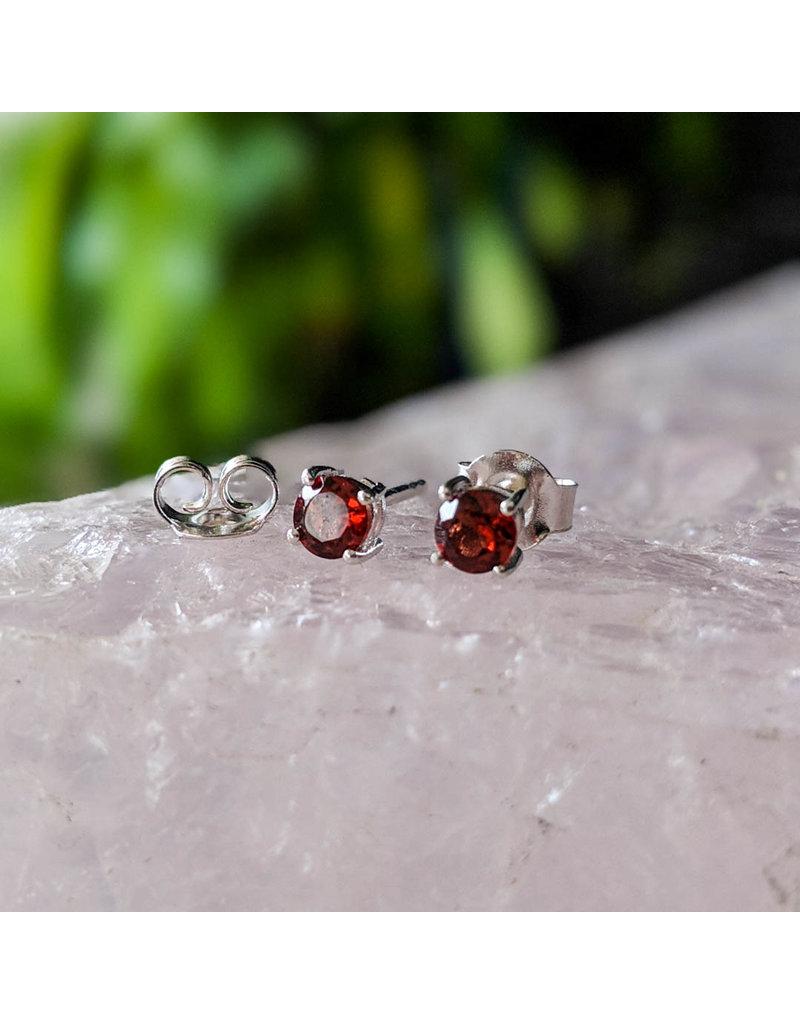 Garnet Stud Earrings 4mm