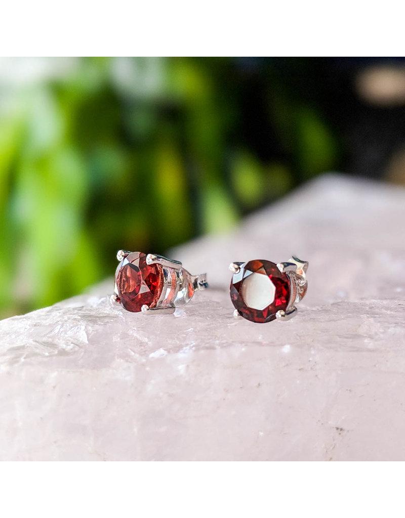 Garnet Stud Earrings 6mm