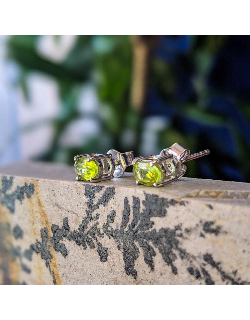 Peridot Stud Earrings 6x4mm