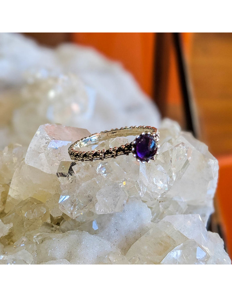 Amethyst Flowers Band Ring 8