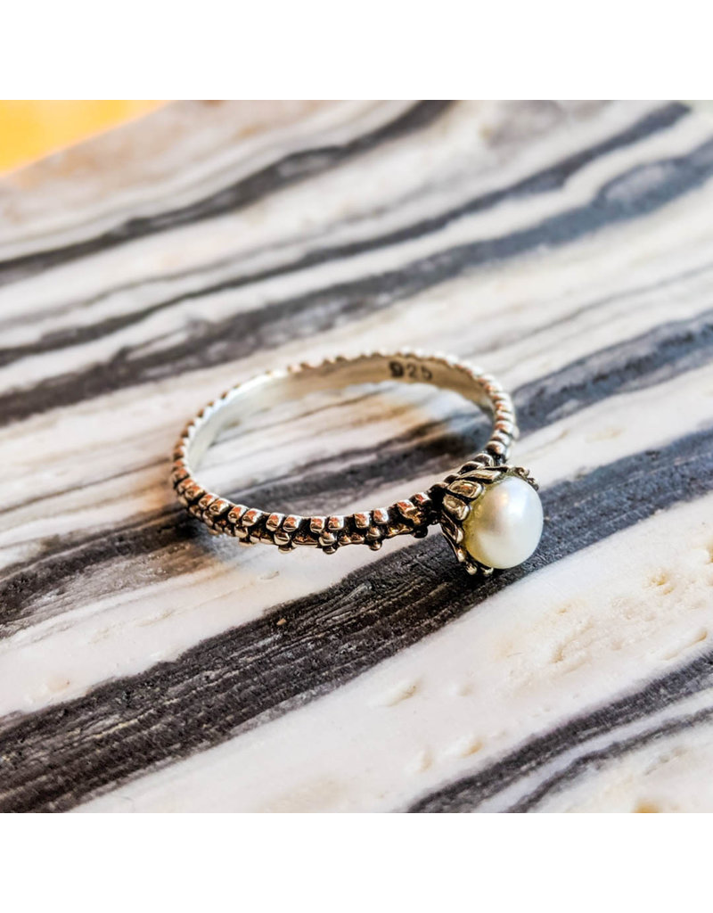 Pearl Flowers Band Ring 9