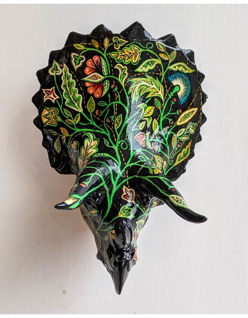 Louis Habeck and Jennifer Eli French Black Triceratops 210x185x163mm 277g