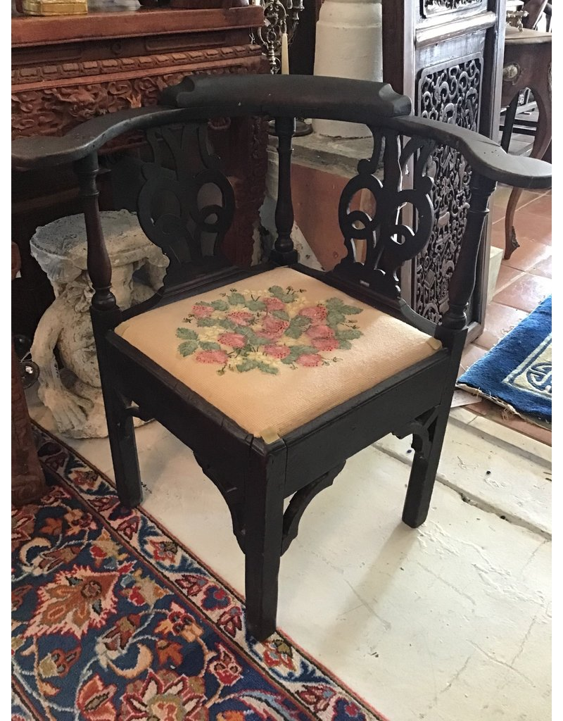 18th century Corner Chair