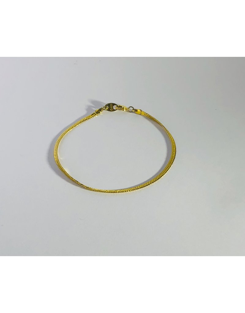 Avon Gold Tone Chain Bracelet