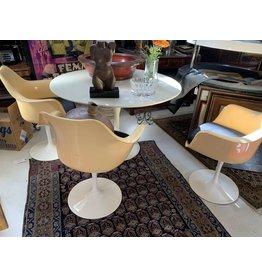 Saarinen Style Table w/3 Tulip Chairs