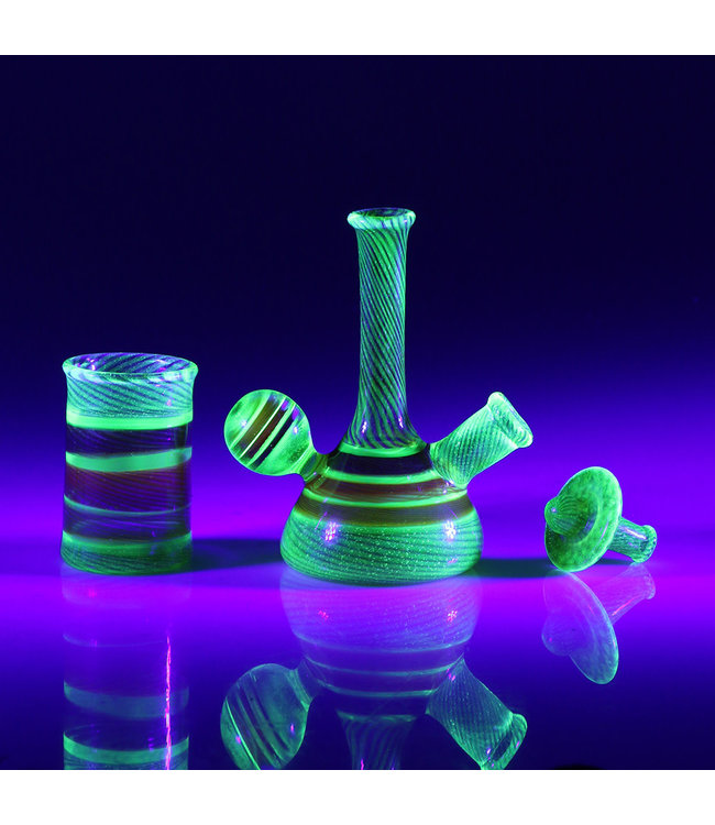 "IL Glass IL Glass 4.5"" UV Reactive Micro Tube Andromeda & Illuminati w/ Carb Cap & Swab Jar 10mm Female"