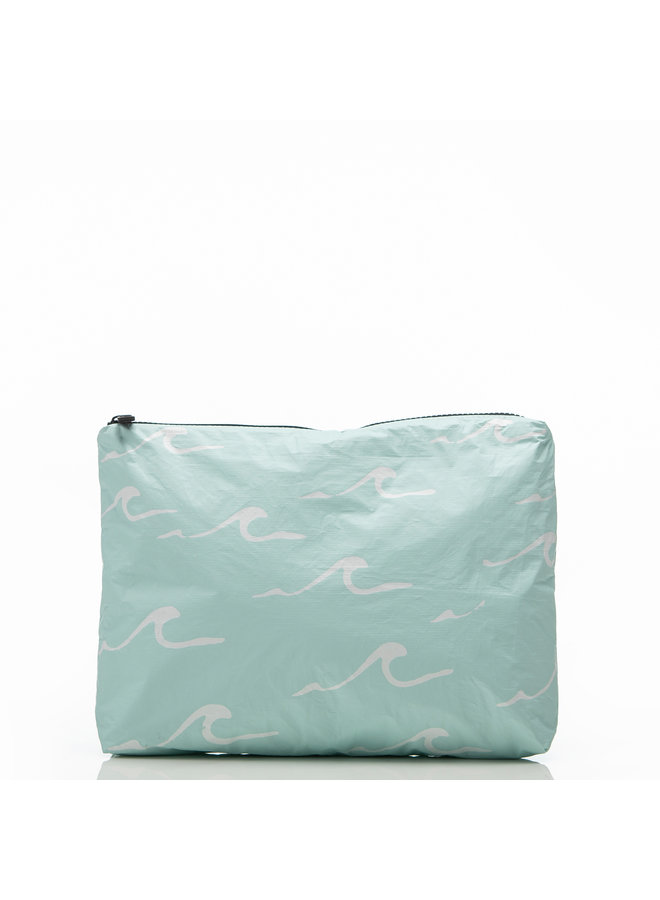 MID WATER RESISTANT POUCH