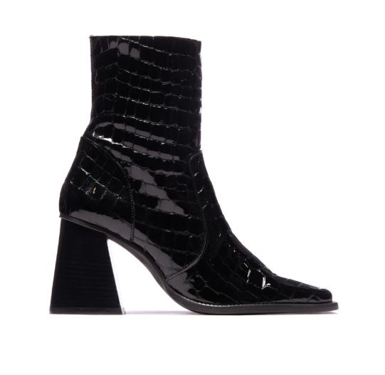 Melana Black Crocro Leather-1