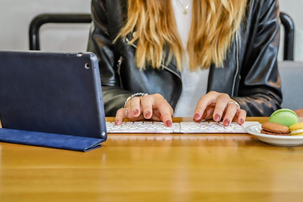 Type Wireless Keyboard - Gemstone