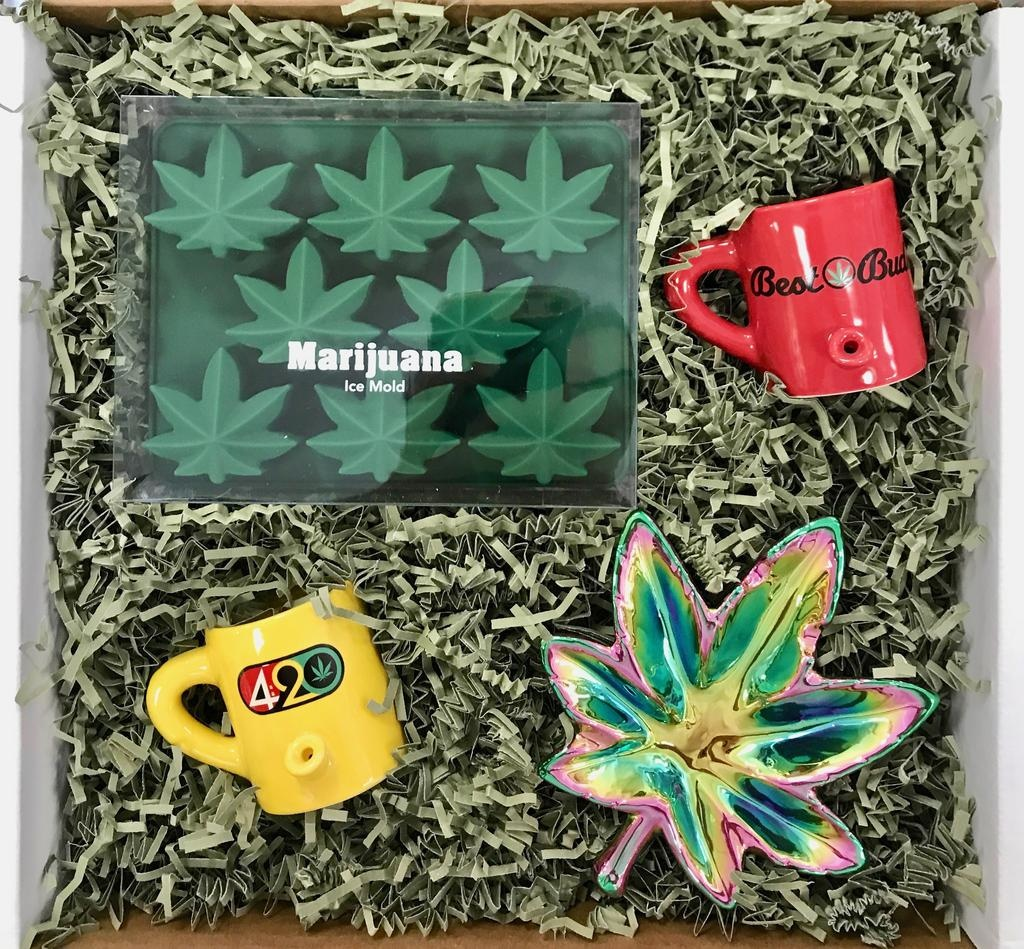 """Roots-Gift Box """"420 Somewhere"""""""