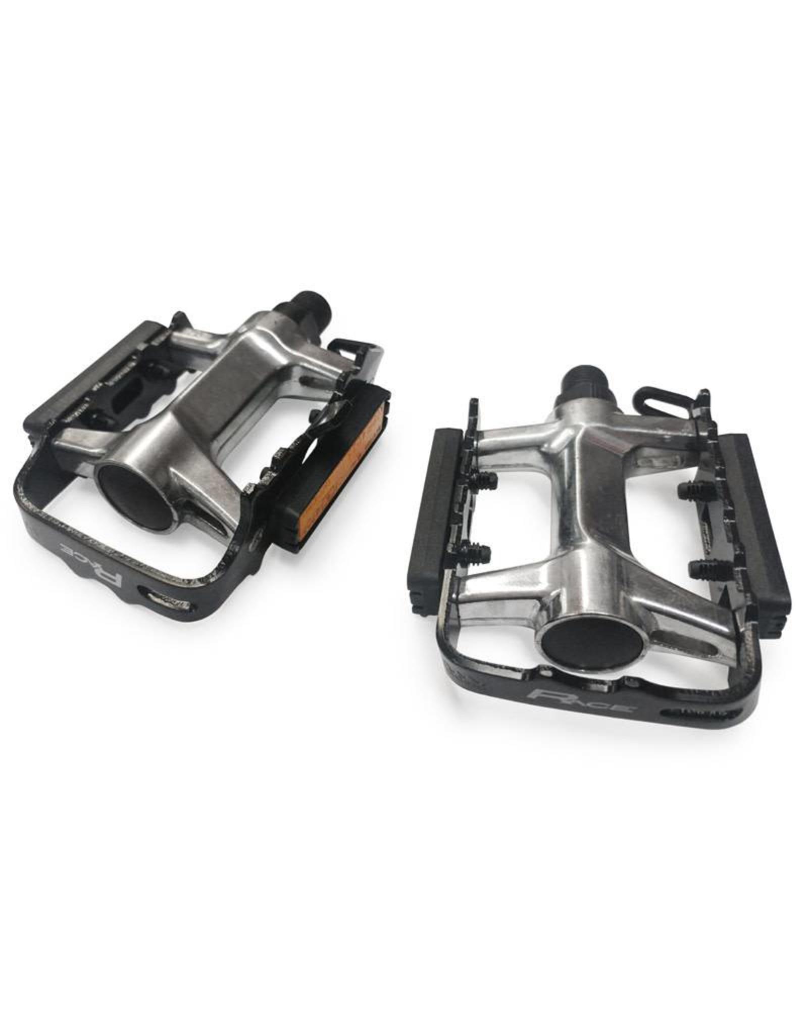 Race LU-946 pedals