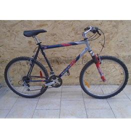 """Vélo usagé de montagne Peugeot 22"""" - 9924"""