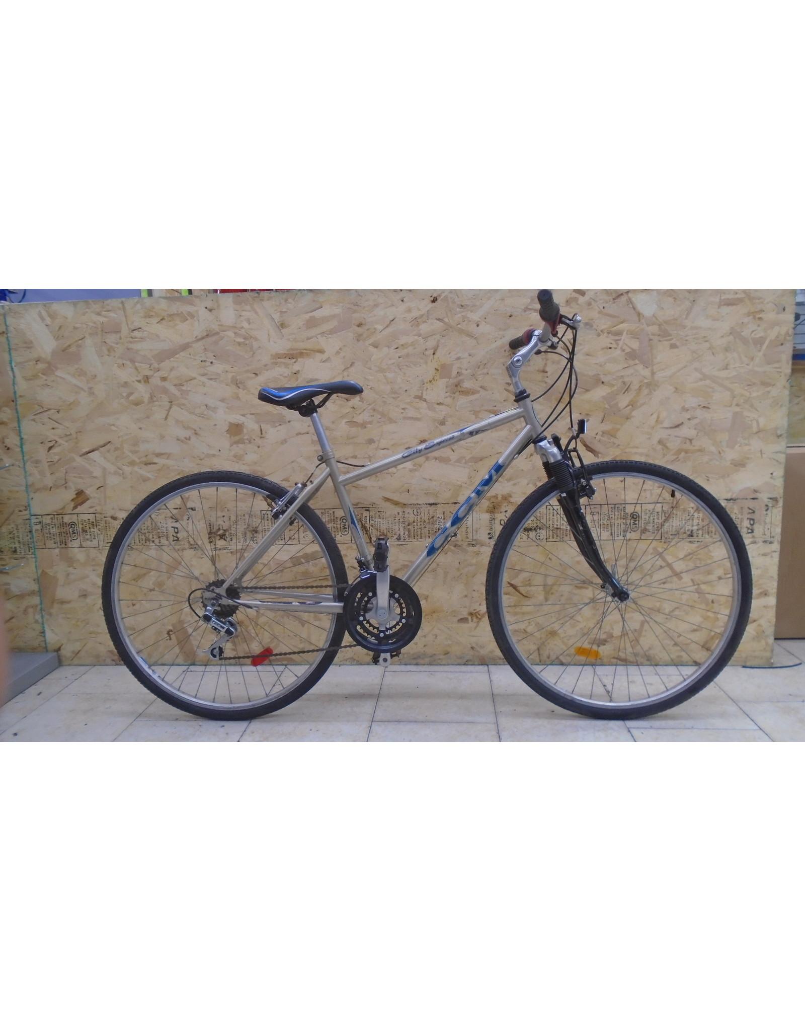 """Vélo usagé hybride CCM 18"""" - 9780"""