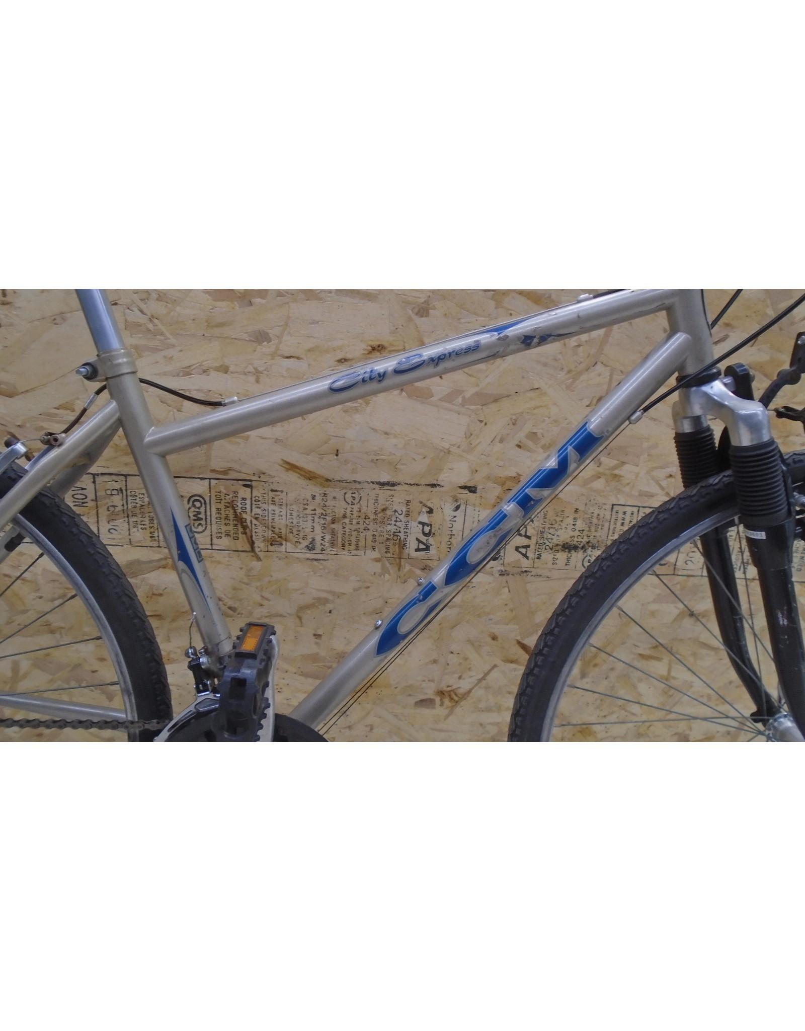 """CCM 18 """"hybrid used bike - 9780"""