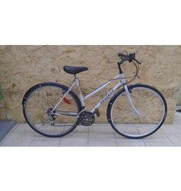 """Peugeot 19 """"used hybrid bike - 10129"""