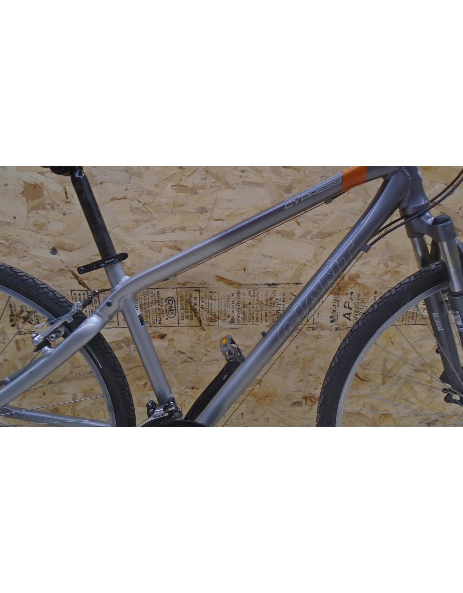 "Vélo usagé hybride Giant 16"" - 10408"