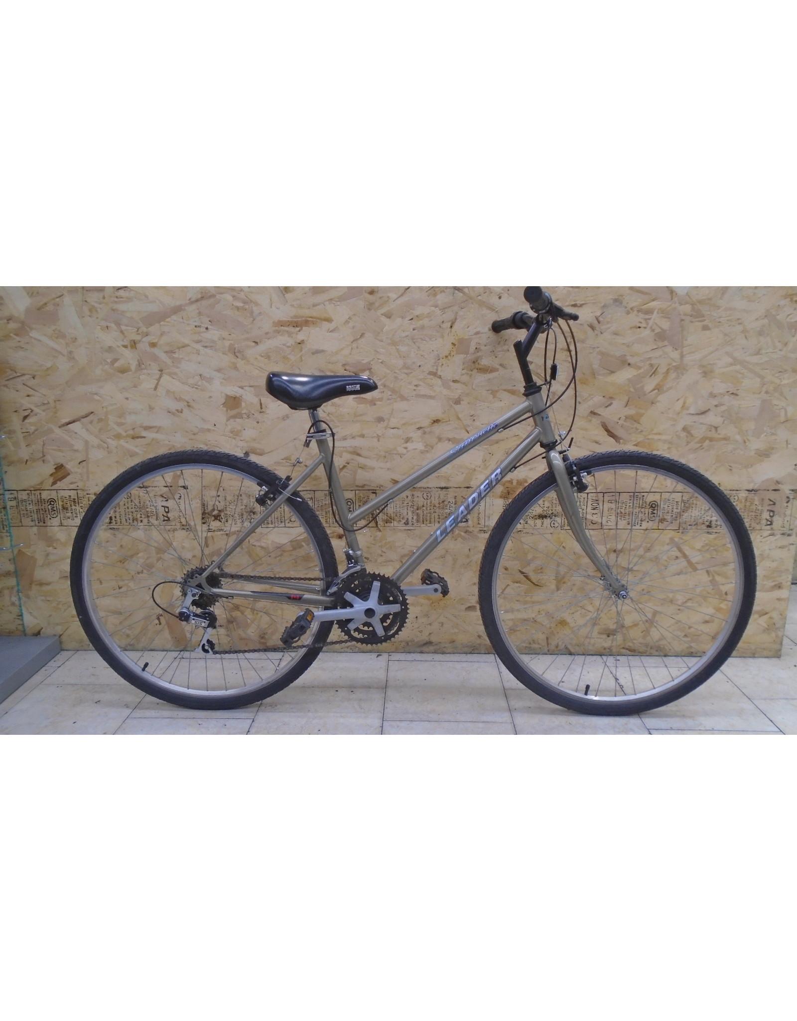 """Leader 18 """"hybrid used bike - 10240"""