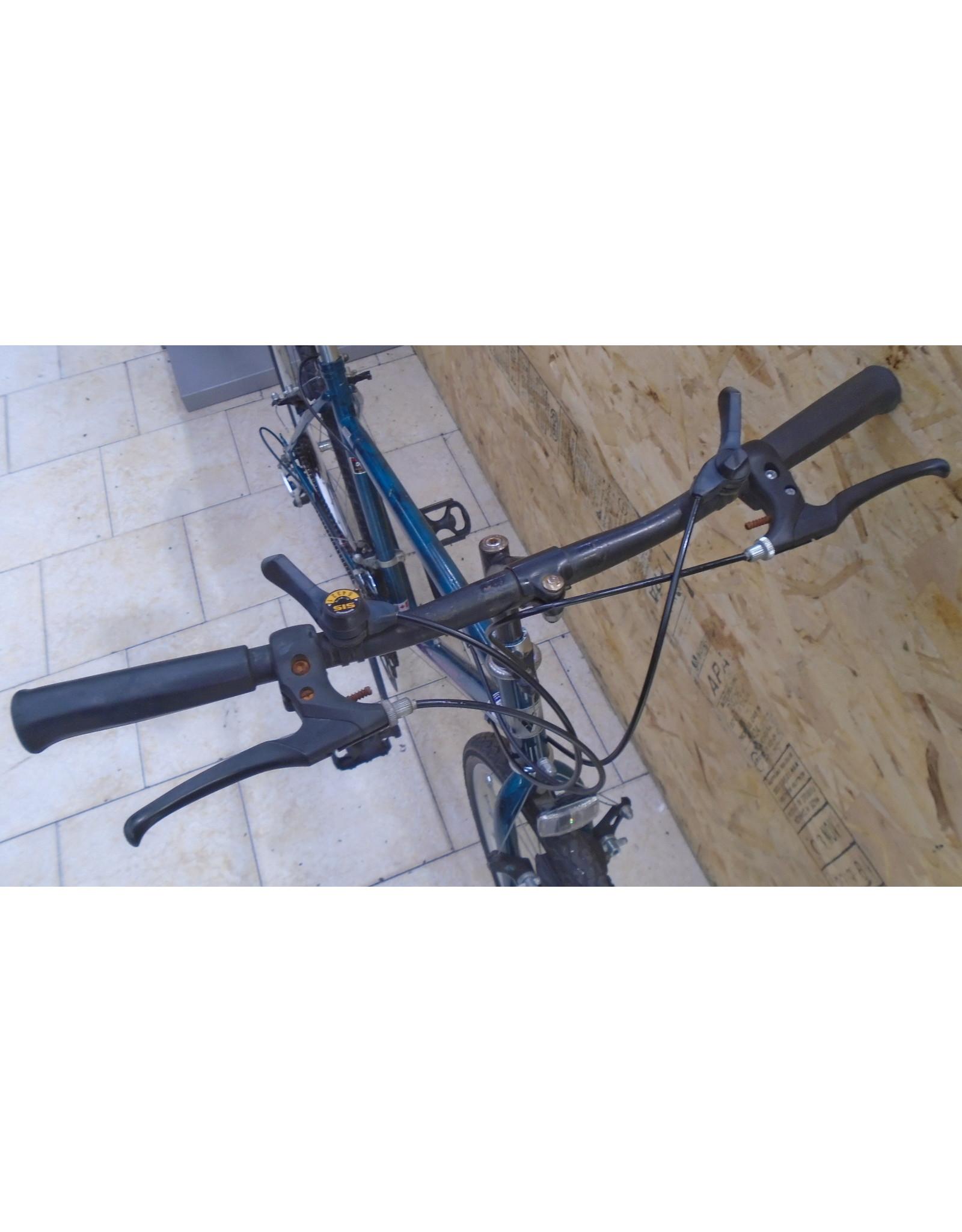"""Vélo usagé hybride Vélo Sport 18"""" - 10 174"""
