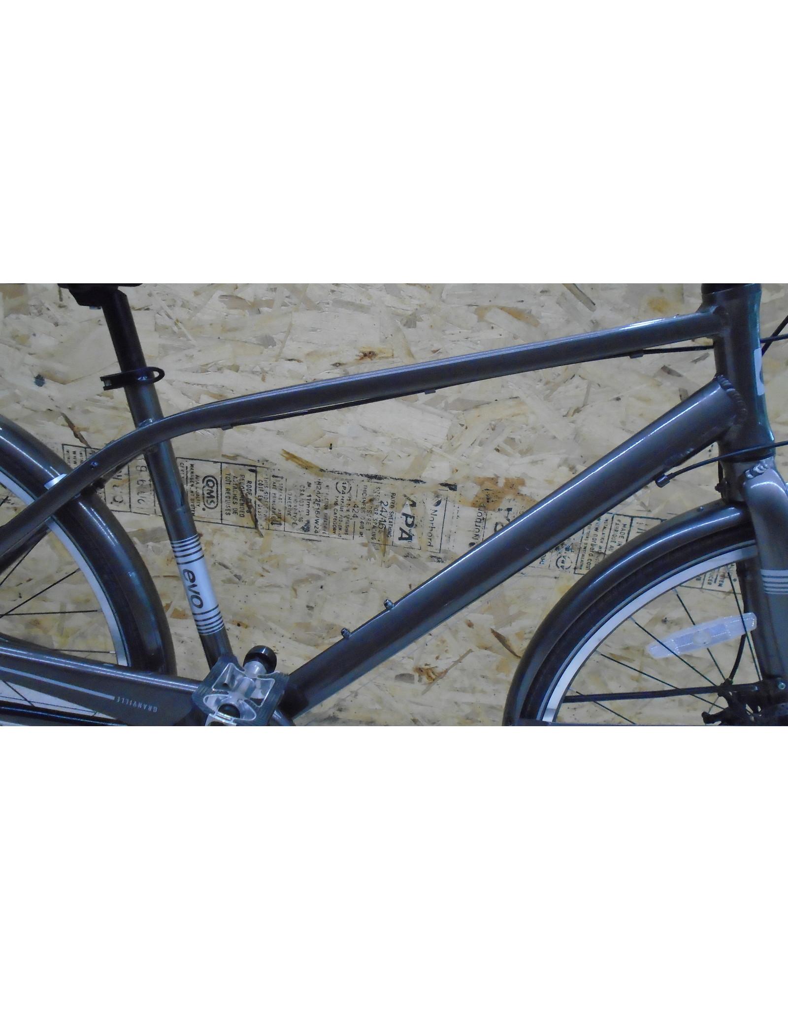 "Copy of Vélo usagé de montagne Giant 17"" - 10338"