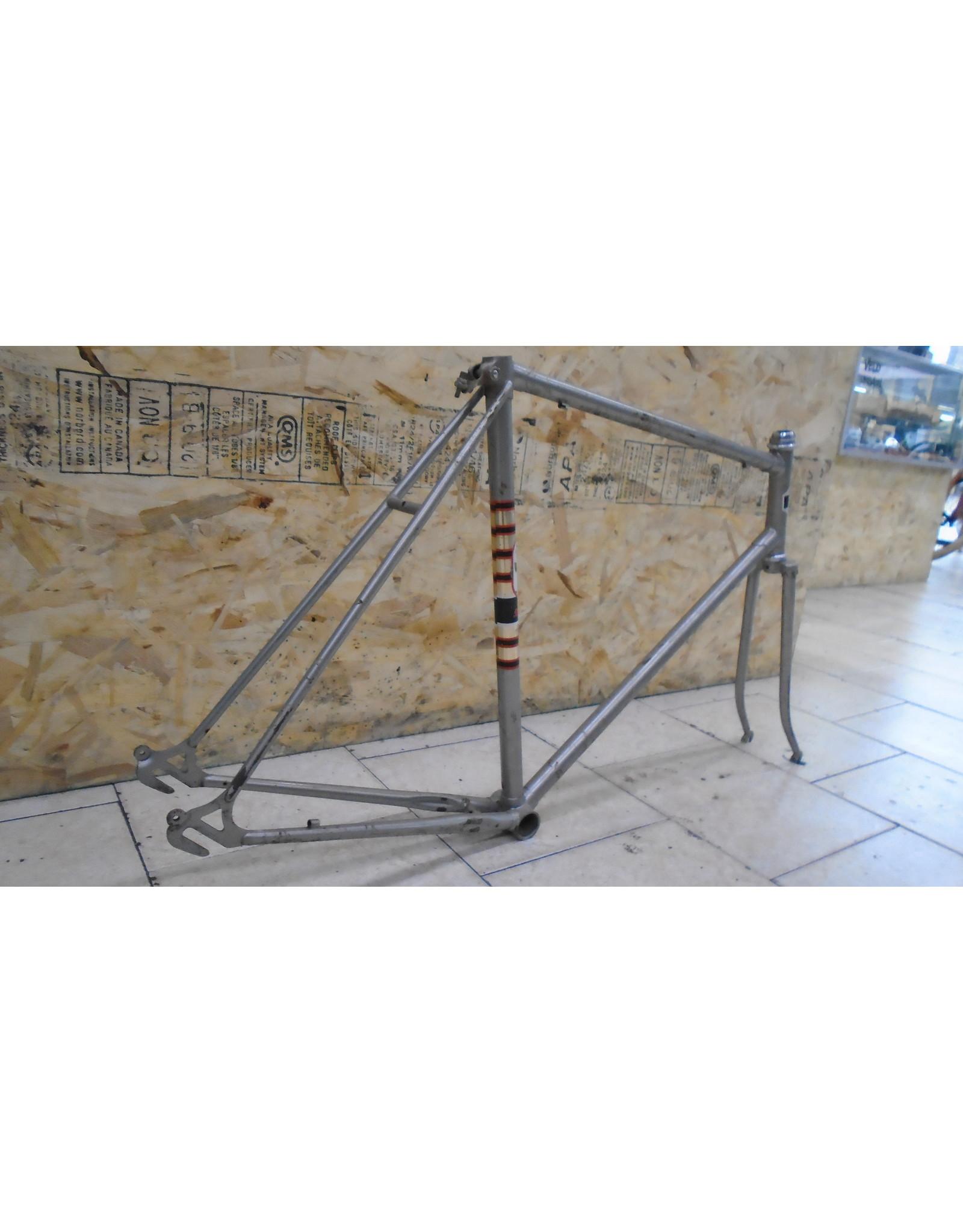 """Cadre usagé en acier de route Supercycle 23"""" - 10360"""