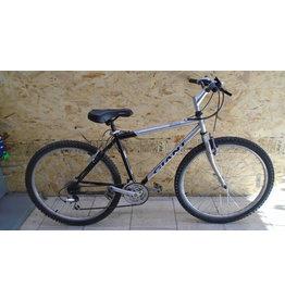 "Vélo usagé de montagne Giant 17.5"" - 9349"