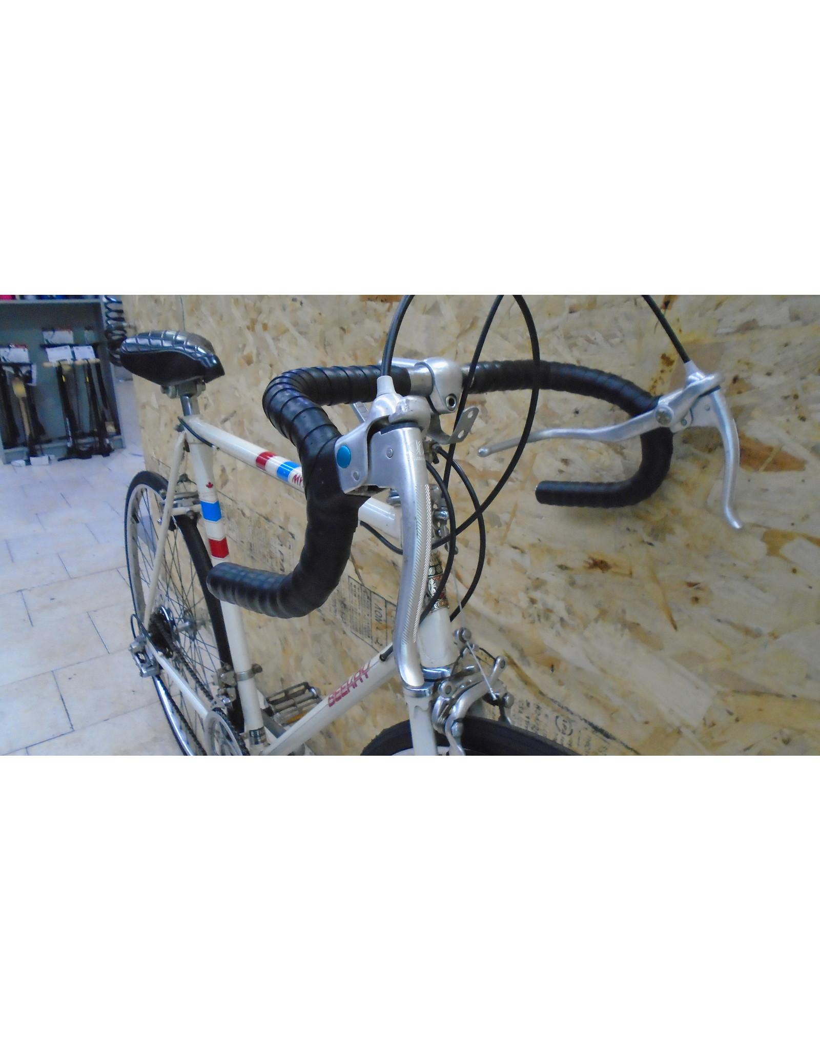 """Vélo usagé de route Beekay 23"""" - 11215"""