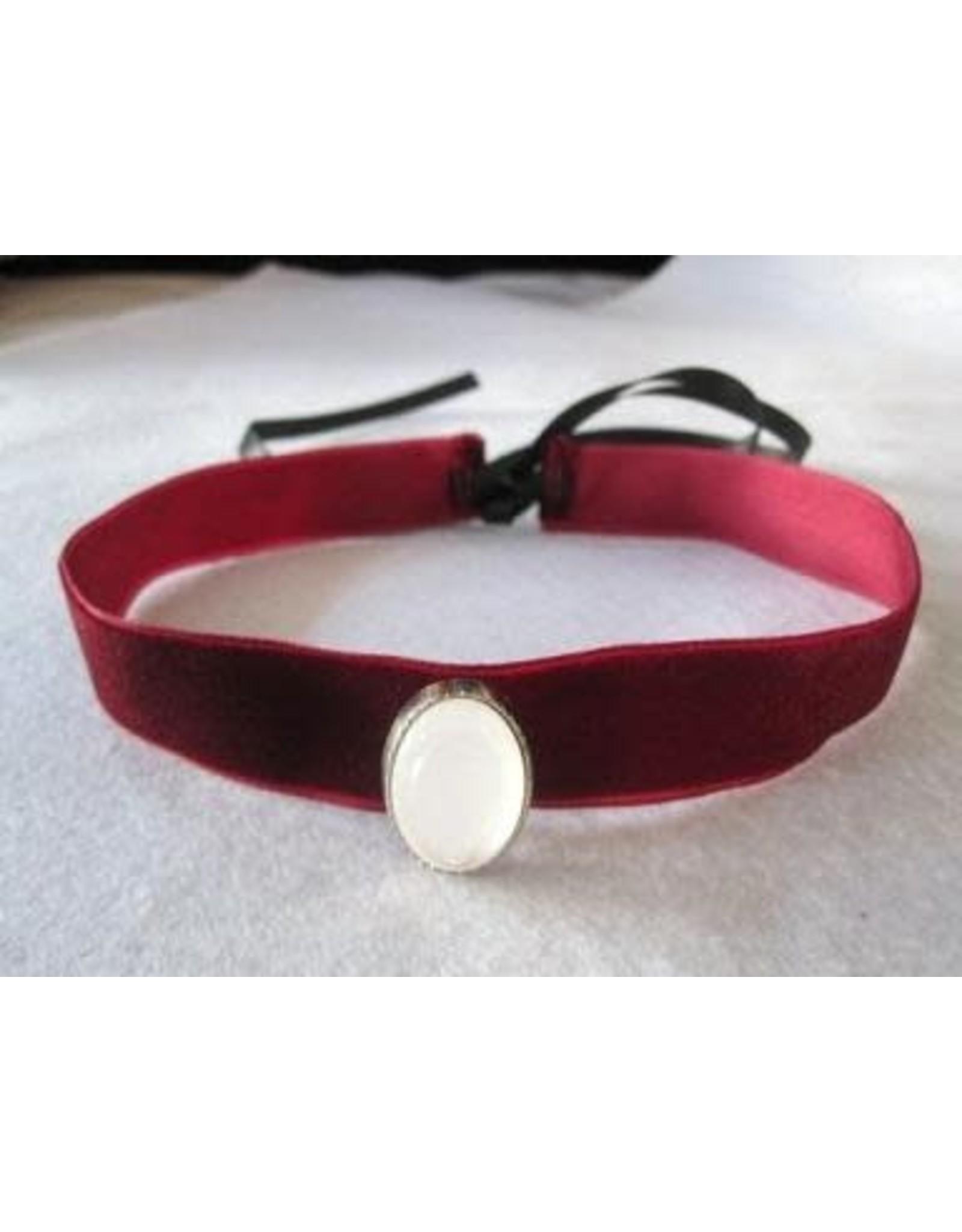 HM Smallwares Gothic Collar