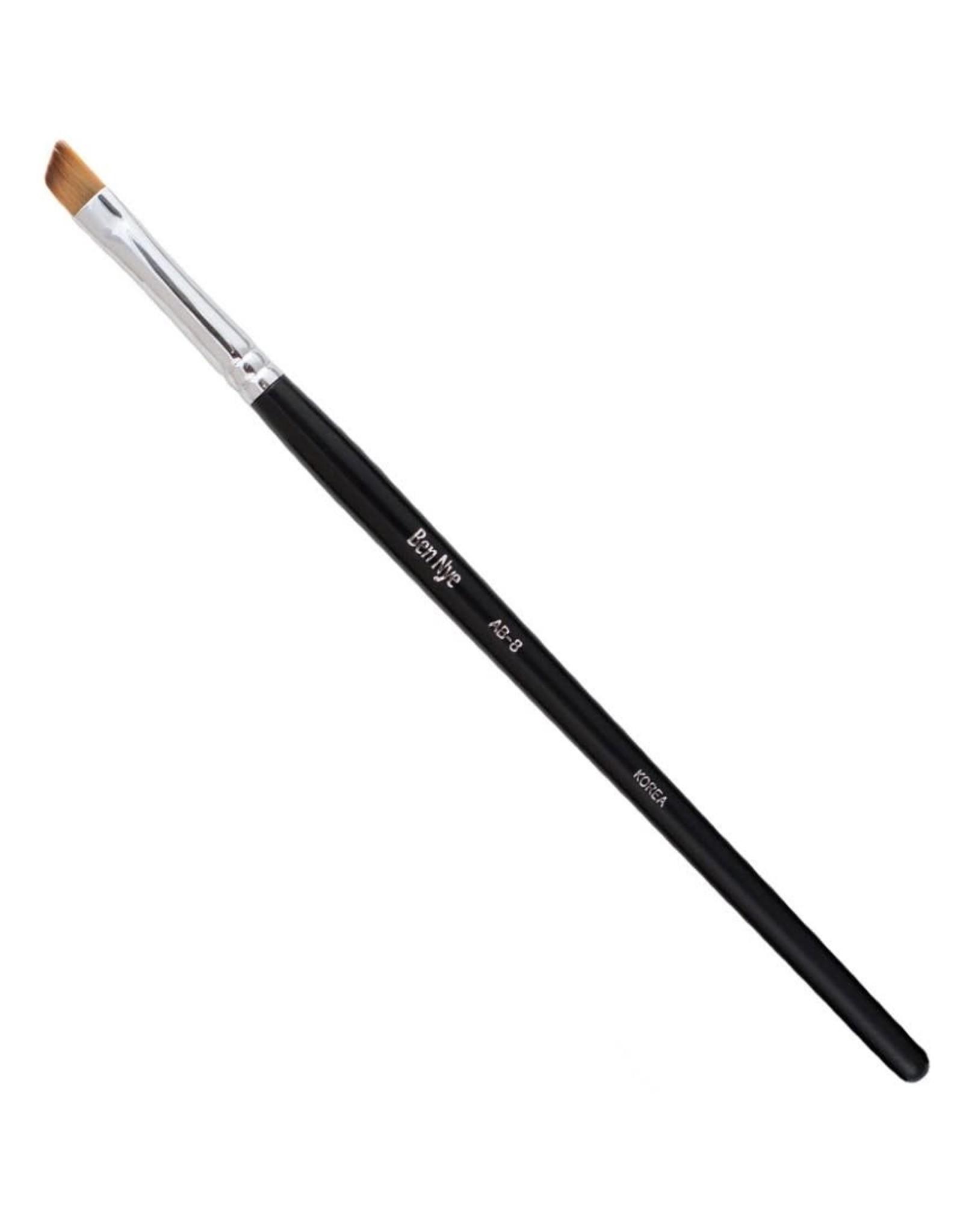 Ben Nye Wide Angle Brush