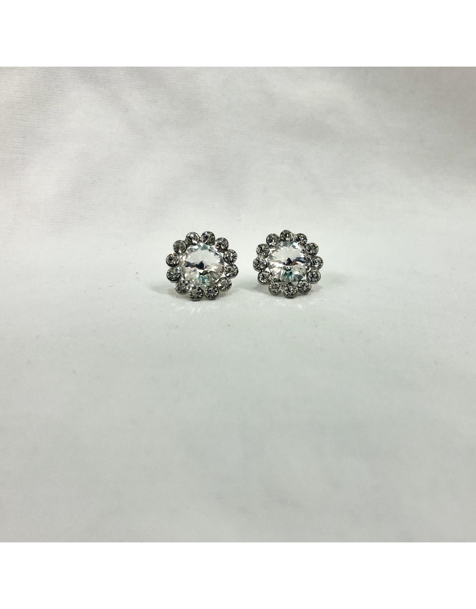 fH2 Crystal Flower Stud Earrings