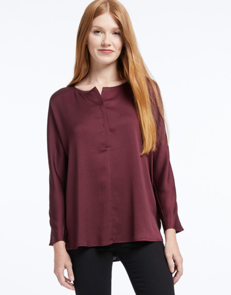 Nic+Zoe Prance Top in Port