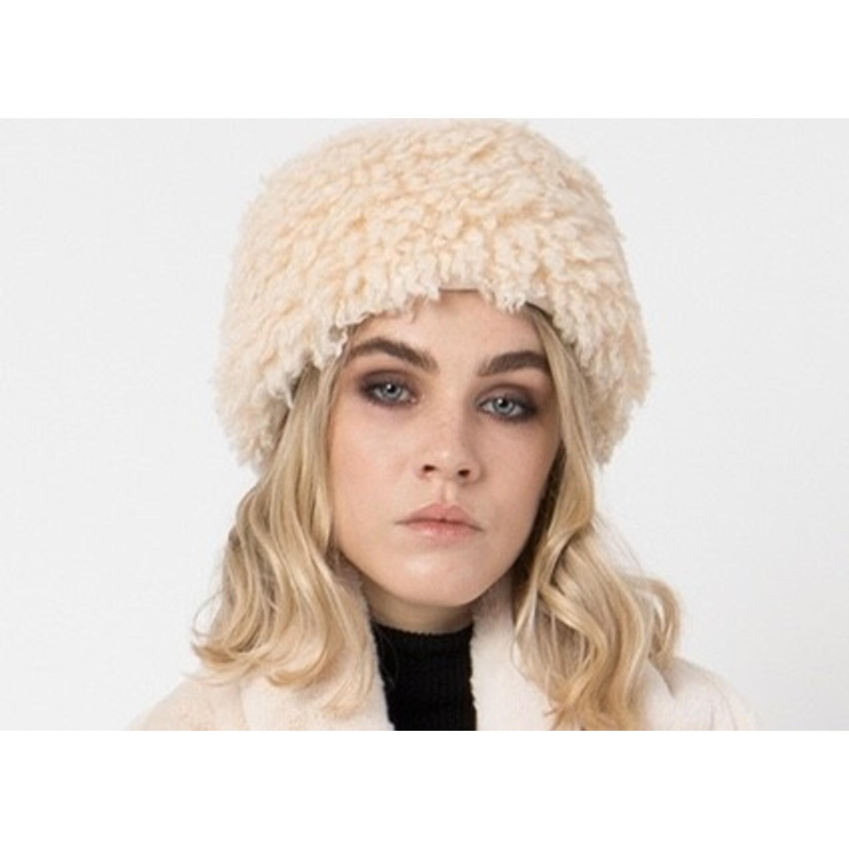 Pia Rossini Hat/Grace/FauxFurCurlySidesSmoothTop