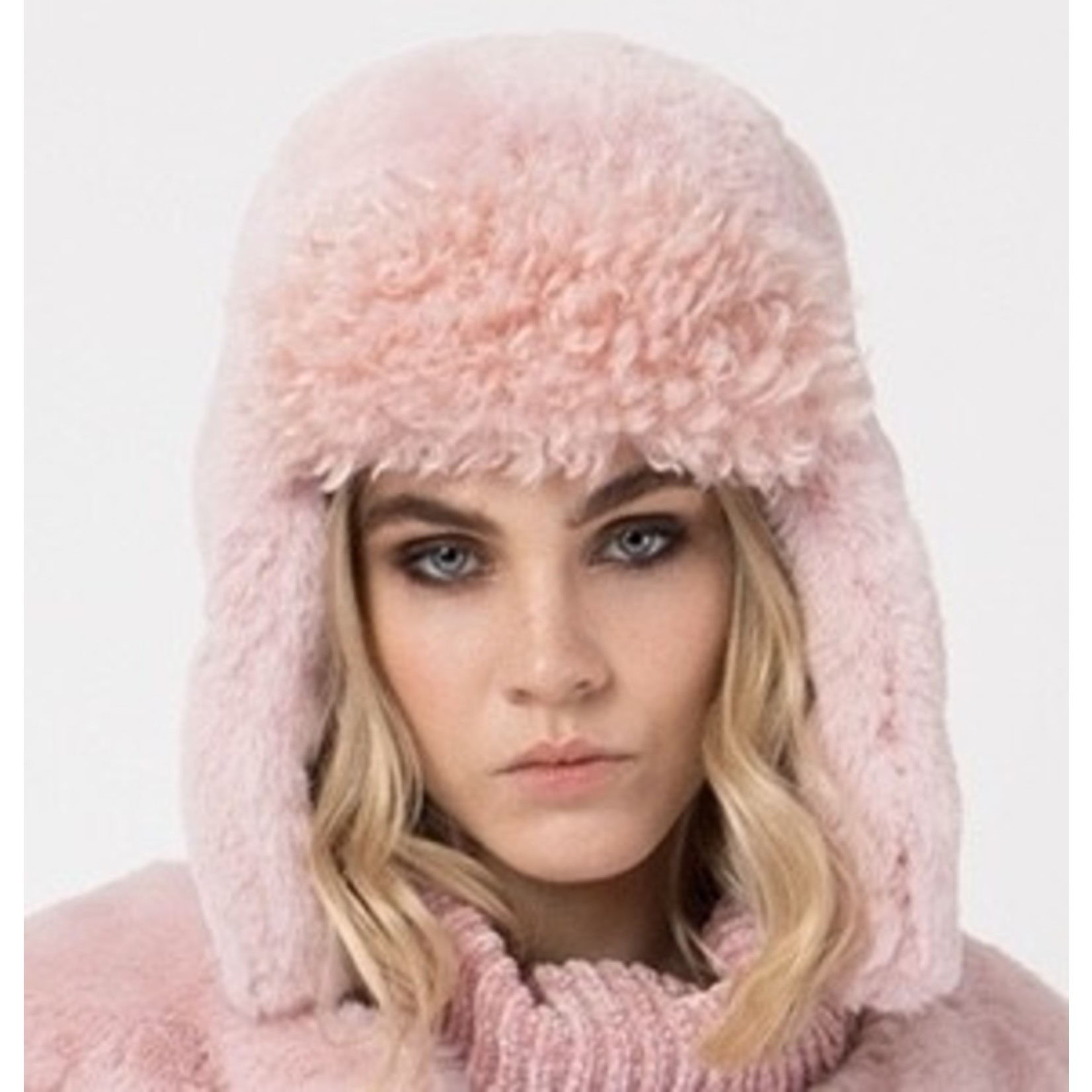 Pia Rossini Hat/GraceTrapper/FauxFurCurlySidesSmoothTop