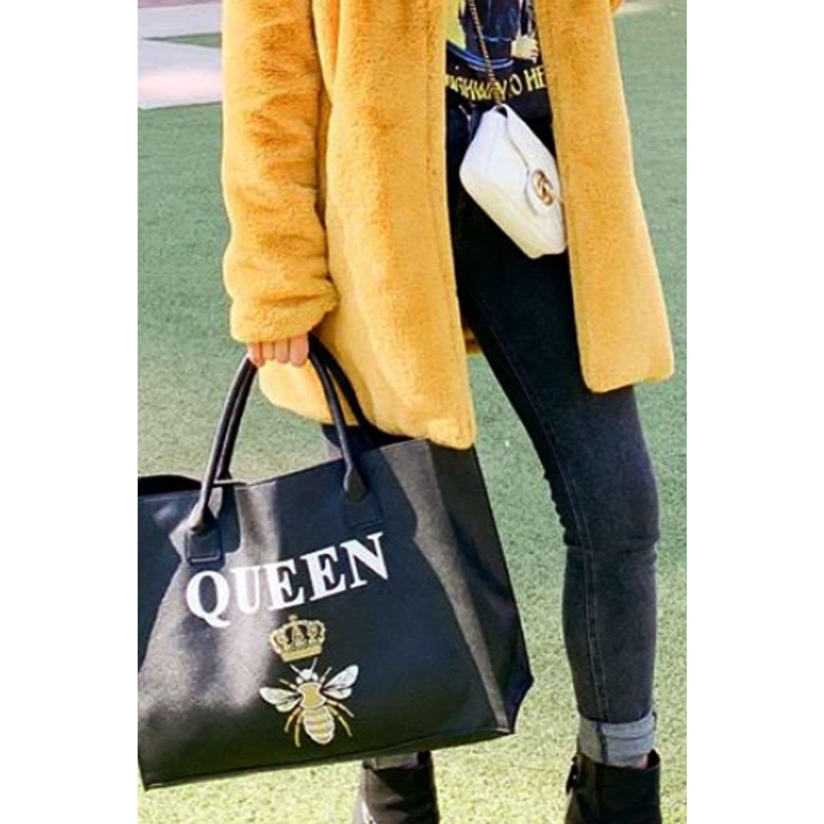 """Los Angeles Trading Co """"Queen Bee"""" Modern Black Tote"""