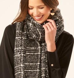 Charlie Paige Soft Plaid Blanket Scarf in Black & Metallic