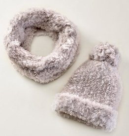 Charlie Paige Plush Knit Hat & Scarf Set in Surf Spray