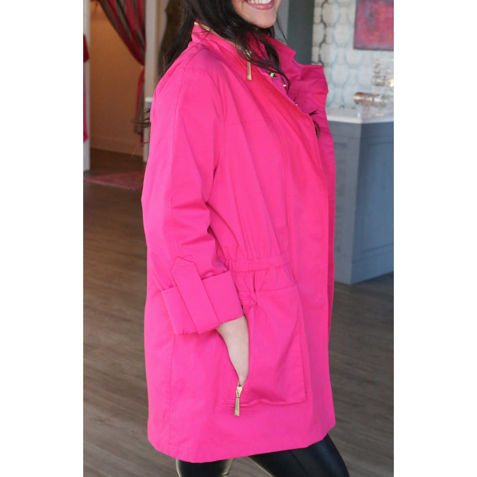 Hooded Rain Jacket in Fuchsia Lrg