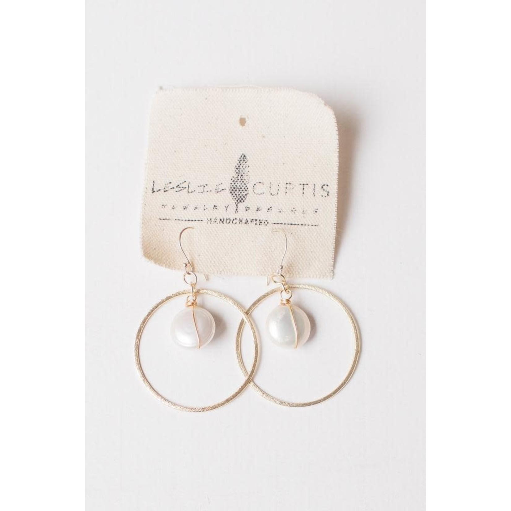Leslie Curtis Jewelry Designs Willow Pearl Hoop Earrings in Gold