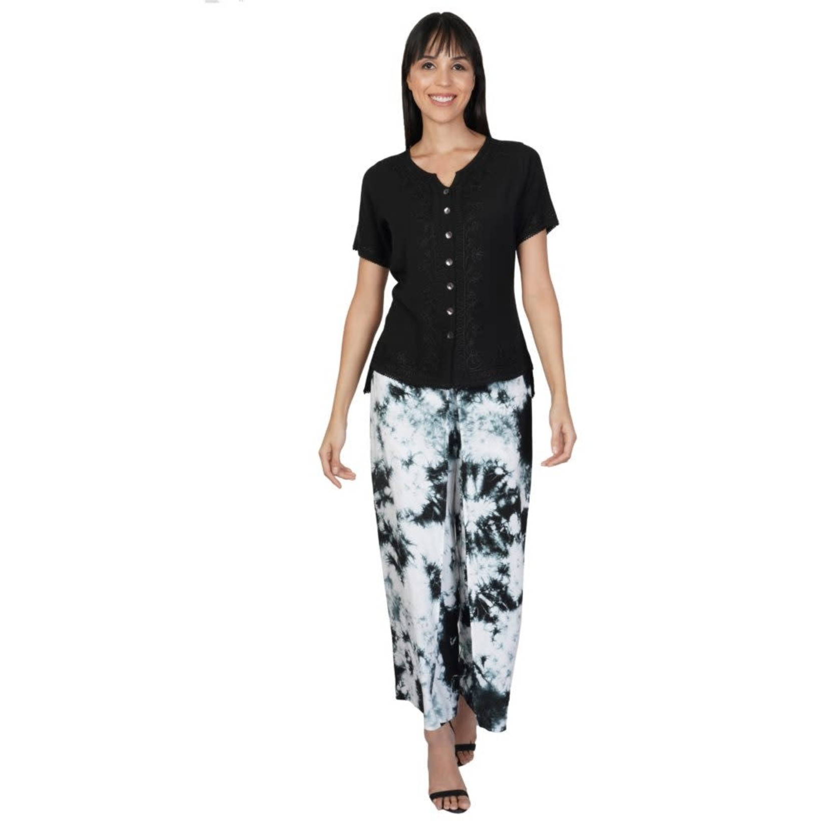 Parsley and Sage Melodie Short Sleeve Black Top w/ Embroidered Design