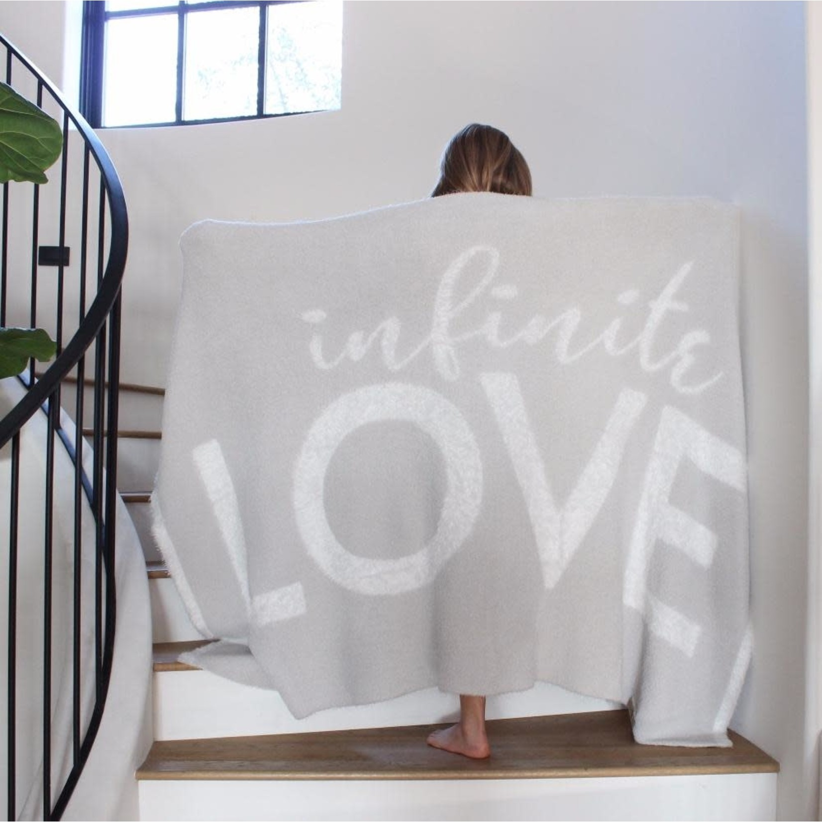 BIG LOViE Dream LOVE Throw Blanket