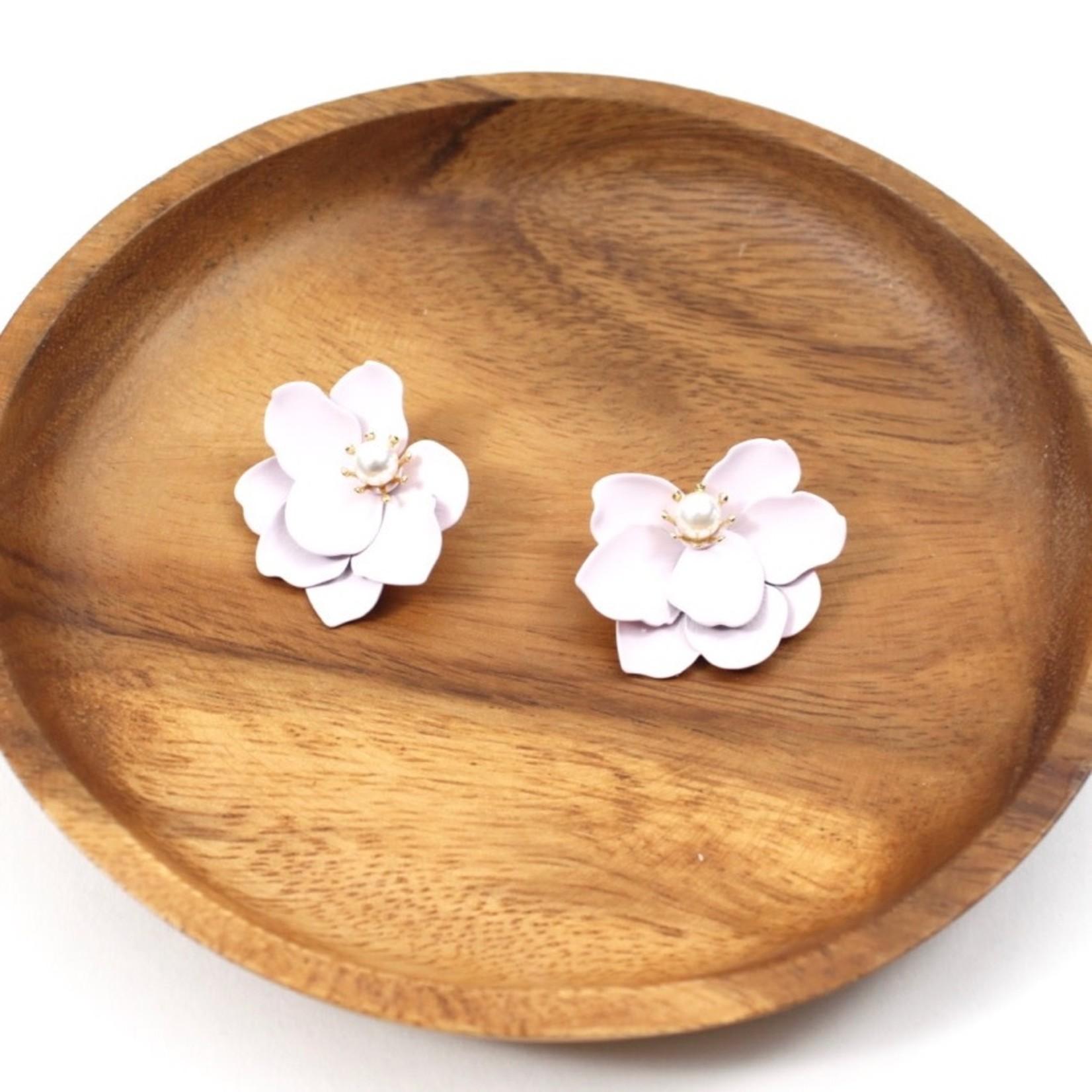 Lt Pink Flower Earrings w/ Faux Pearl Center