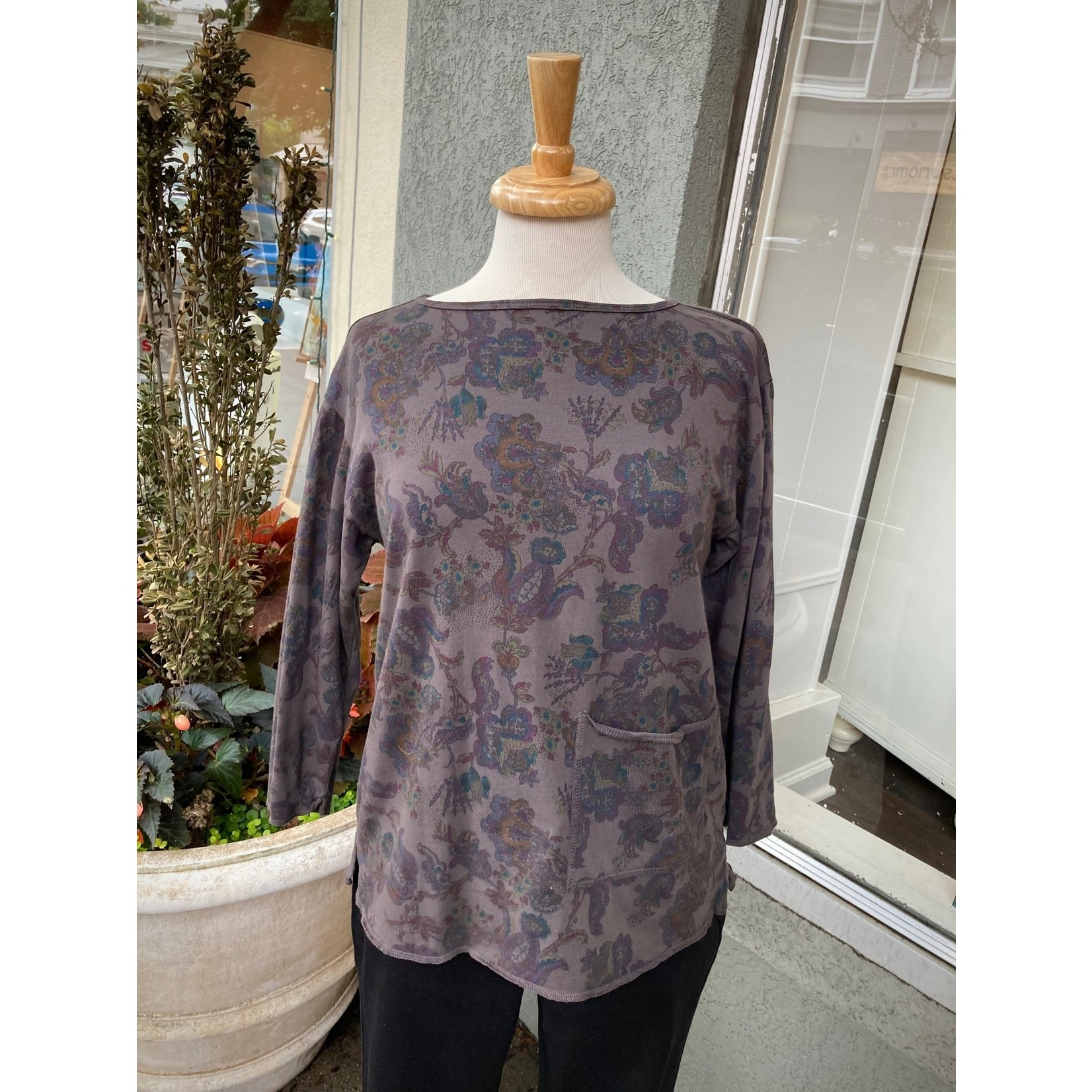 Color Me Cotton Round Neck Print Top w/ Pocket in Chocolate