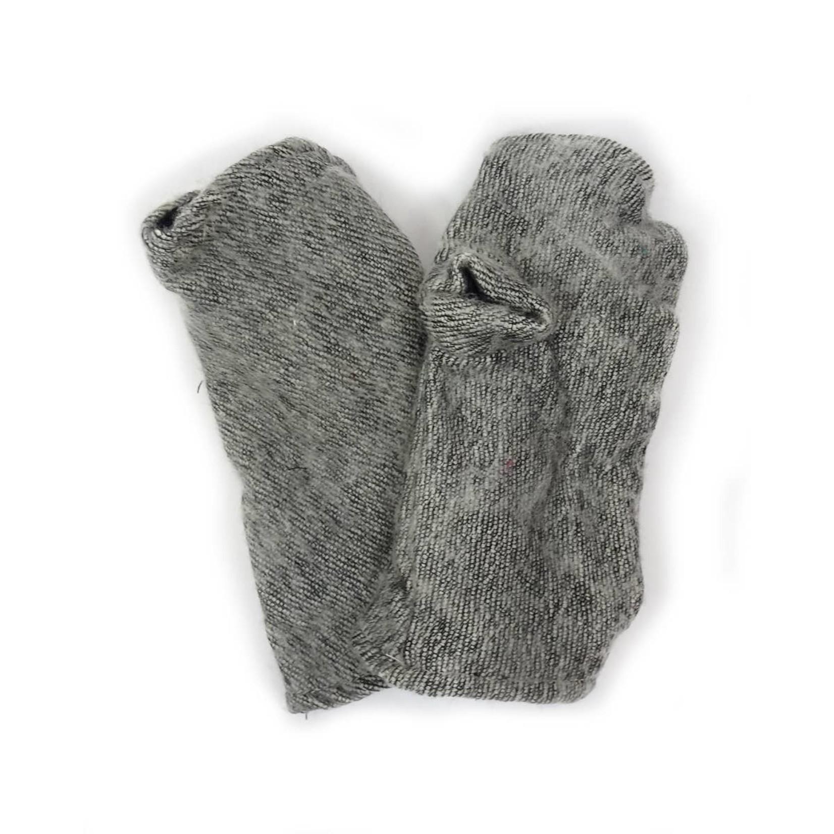 Zig Zag Asian Brushed Woven Fingerless Gloves in Frost